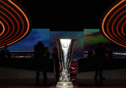 UEFA'DAN FLA� DE����KL�K!