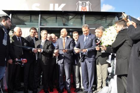 Beşiktaş'ın yeni kulüp binası açıldı