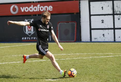 Beşiktaş'ta Caner ve Demba Ba sevinci