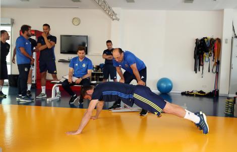 Fenerbahçe'de hazırlıklar ve sağlık kontrolleri sürüyor