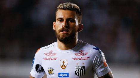Türkiye'de transferi an meselesi olan 16 futbolcu!