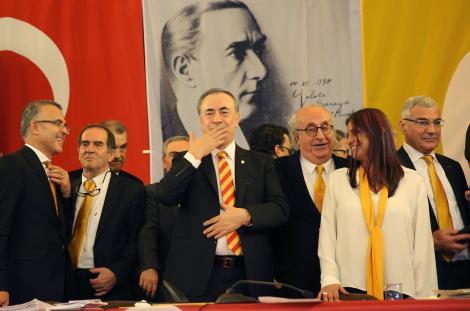 Galatasaray'da yeni yönetimi bekleyen 8 şey