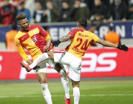 Galatasaray'da Ryan Donk tepkileri