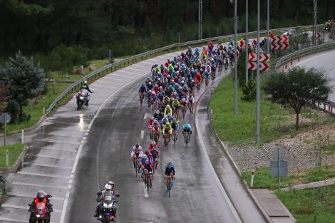 Tour Of Antalya'nın Kemer etabı renkli görüntülere sahne oldu