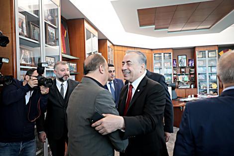Galatasaray'da çok özel buluşma