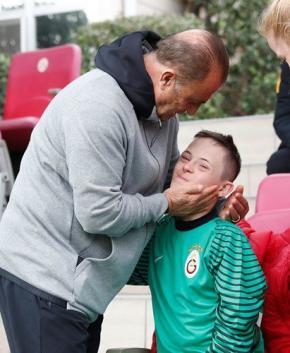 Galatasaray antrenmanında anlamlı konuk