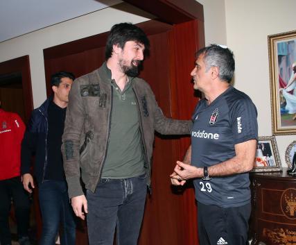 Beşiktaşlı futbolculardan, Şenol Güneş'e ziyaret
