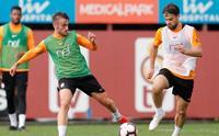 Galatasaray, 8 eksikle antrenman sürdürdü