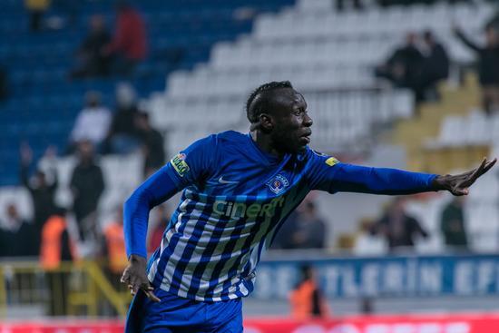 Mbaye Diagnenin golleri yetmedi 96