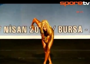 Vücut geliştirme şampiyonu bayan!