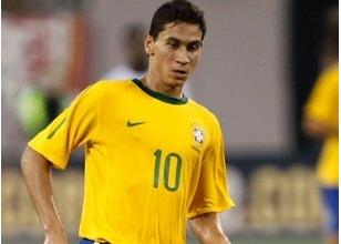21'lik Brezilyalı yıldız için büyük kapışma!