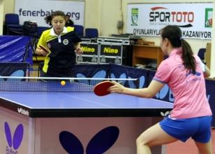Gen�ler masa tenisi turnuvas� Konya'da ba�lad�
