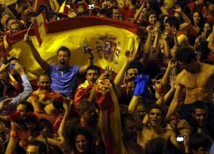 İspanya dün gece uyumadı