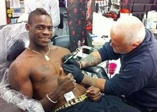 Mario Balotelli'denCengiz Han dövmesi!