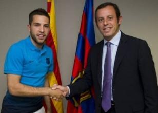 İmzayı attı, Barcelona formasını giydi!