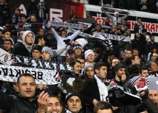Beşiktaş tribününde olaylar olaylar!