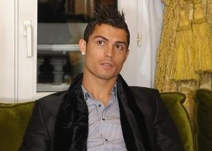 Ronaldo'dan Mesut'a...