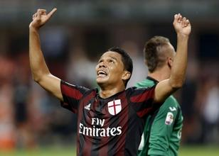 AC Milan'a Bacca ve Honda hayat verdi