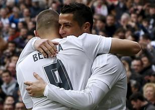 Zidane 1-0 dedi<br>Real Madrid 4 att�!