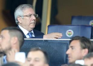 Fenerbahçe Başkanı Aziz Yıldırım'dan Dirk Kuyt'a sürpriz teklif
