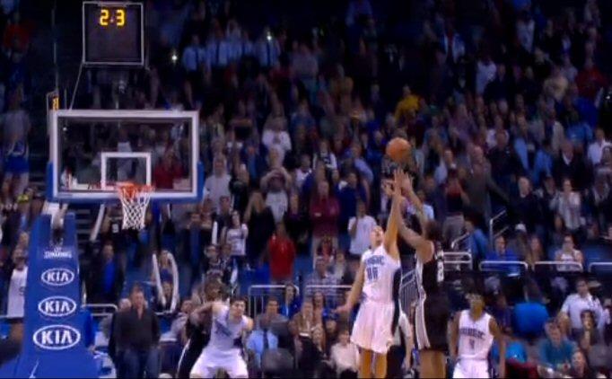 NBA'DE SAN�YELER KALA...<br>��TE KAZANDIRAN BASKET