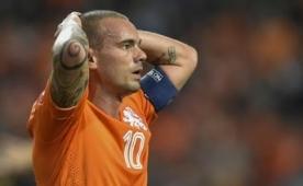 Sneijder, hakeme ate� p�sk�rd�!