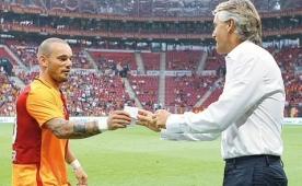 Sneijder'in F.Bah�e'ye g�nderme plan�!