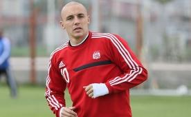 Aatif i�in 2 futbolcu + 1,5 milyon Euro...
