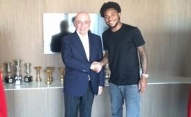 Luiz Adriano resmen Milan'da! Transfer...