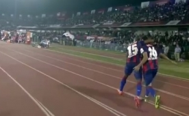 Roberto Carlos'u ��ld�rtan o gol...