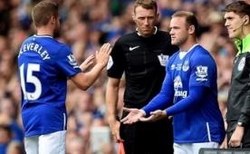 Wayne Rooney 11 y�l sonra Evertonlu oldu!