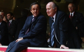 ..Ve Platini rest �ekti! Blatter i�in son mu?
