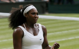 Serena Williams ev sahibini devirdi...