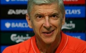 Wenger 15'lik gen� kaleciyi kapt�!..