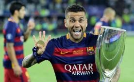 Dani Alves: 'Pele'den daha fazla kazand�m'