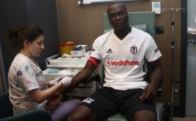 'Vincent Aboubakar en az 25 gol atar...'
