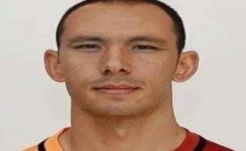 Galatasaray taraftar� 'Sen de git' dedi...