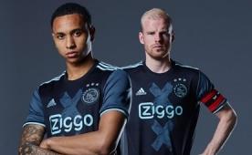 Ajax yeni sezonun ilk formas�n� tan�tt�!..