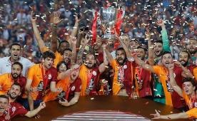 Galatasarayl�lar'dan Fenerbah�e'ye: 'Ay�p'