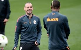 Sneijder ve Chedjou, derbiye yeti�ecek mi?