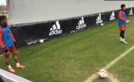 Douglas Costa'dan imkans�z gol!