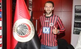 Vedat Muric imzalad�!