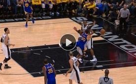 Simmons iyi savunmacı ama Curry'ye karşı değil