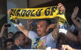 'Fenerbahçe ideal bir seçenekti çünkü...'