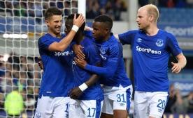 Everton, İngiltere'de turun kapısını araladı!