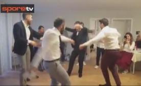 Hakan Çalhanoğlu nikahında döktürdü!
