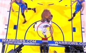 Curry, Russell'dan topu çaldı, KD smacı vurdu