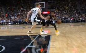 Conley'nin crossoverı sonrası basket faul