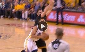 Curry şutu yolladı, sonucu o da biliyordu...