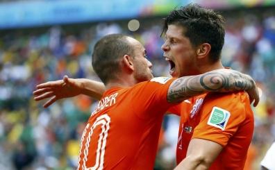Sneijder'den 'Klaas' yard�m!